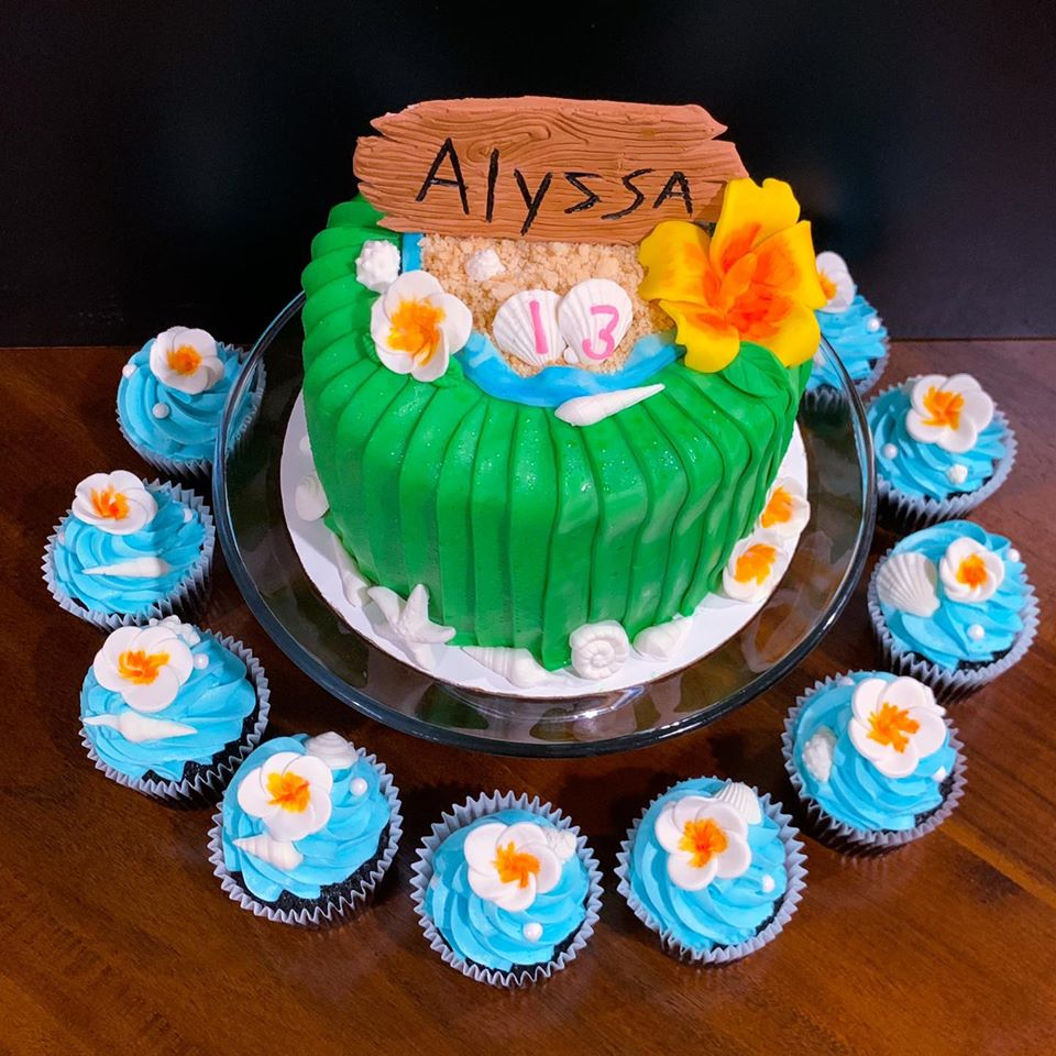 Hawaiian Cake and Cupcakes